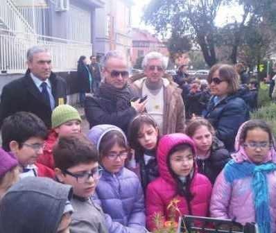 Il sindaco fa visita alle scuole e chiede maggior impegno nel fare la raccolta differenziata
